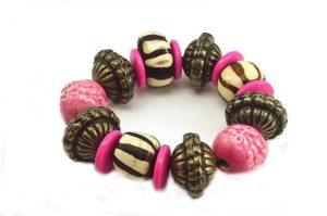 Bracelet rose, corne et métal