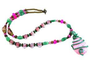 Collier en fil d'alu rose et vert