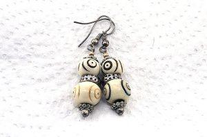 Boucles d'oreilles blanches en corne - Collection Casamance