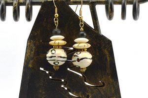 Boucles d'oreilles beiges en corne - Collection Casamance