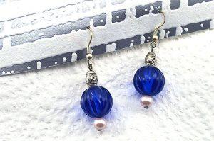 Boucles d'oreilles en résine bleu - Collection Erzébet