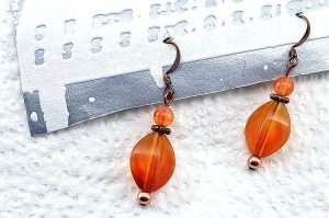 Boucles d'oreilles en résine orange - Collection Erzébet
