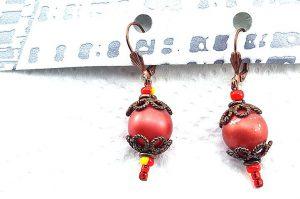 Boucles d'oreilles rouge en résine - Collection Erzébet