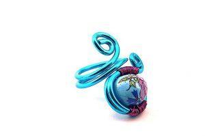 Bague bleu turquoise et fleurs en alu- Collection Agathe