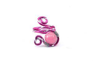 Bague avec perle rose opaque et fil d'alu - Collection Agathe