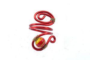 Bague en perle rayée rouge et jaune - Collection Agathe