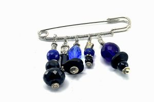Broche en perles bleues et noires - Collection Tarentelle