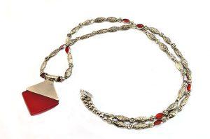 Collier sautoir rouge et argent - Collection Memphis
