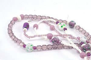 Collier sautoir violet en 3 rangs - Collection Memphis