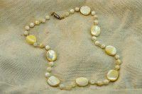 Collier blanc en perles de nacre- Collection Samarcande
