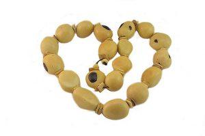 Collier beige en graines- Collection Tibor