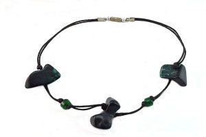 Collier vert en résine- Collection Tibor