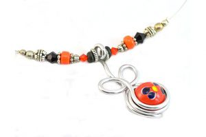 Collier en fil avec pendentif orange - Collection Valentino
