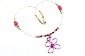 Collier en fil avec pendentif rose - Collection Valentino