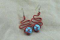 Boucles d'oreilles fil en alu rouge- Collection Gozo