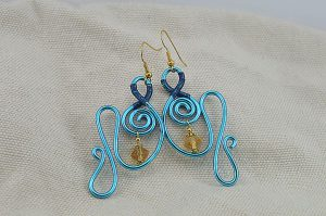 Boucles d'oreilles fil d'alu bleu turquoise - Collection Gozo