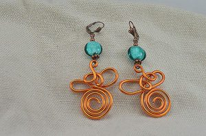 Boucles d'oreilles fil en alu orange 2 - Collection Gozo