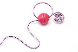 Marque-ta-page rose et perle en bois - Collection Curiosités