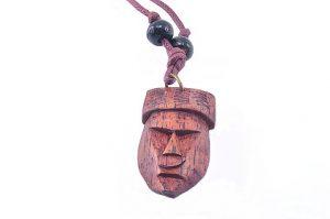 Pendentif avec tête sculptée marron- Collection Noudjali