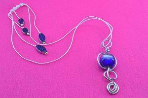 Pendentif en verre bleu et fil d'alu - Collection Sydney