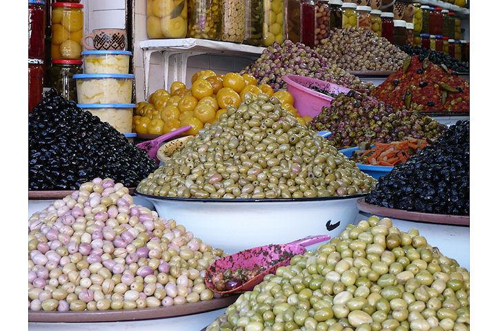 Une multitude d'olives - Marrakech.3